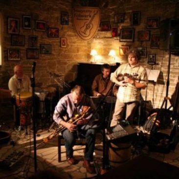 THE BRIAN McCOMBE Band Muzyczny Folwark Mszana Dolna