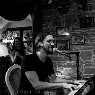 Drew De Four Kin Curran koncert Muzyczny Folwark Stara Winiarnia Mszana Dolna