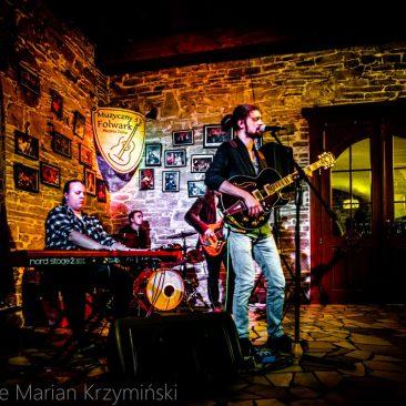 Koszau w Muzycznym Folwarku Stara Winiarnia
